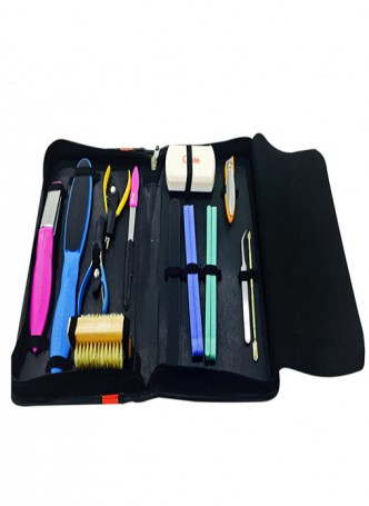 Credo Manicure And Pedicure Set